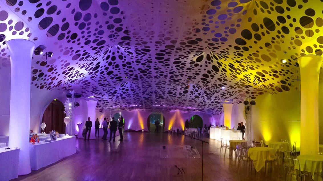 voconcept-specialiste-couverture-decoration-lycra-impermeable-ephemere-stade-concert-tribune-evenement-event-decoration-urbaine-interieur-exterieur-paresoleil-voile-ombrage-velum-occultation-projection-urbain-moderne-intemporel